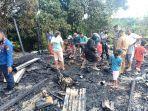 pulang_dari_antar_anak_sekolah_warga_pelalawan_lihat_rumahnya_terbakar_kerugian_hingga_rp_60_juta_1.jpg