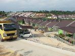 puluhan-rumah-subsidi-dibangun-di-jalan-indrapuri-kecamatan-tenayan-raya-2_20170821_155937.jpg