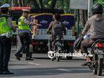 razia-satlantas-polresta-pekanbaru-operasi-keselamatan-muara-takus_20180308_193047.jpg