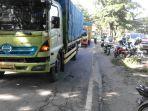 razia-truk-tonase-berat_20170711_211154.jpg