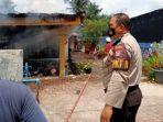 rumah-anggota-polisi-di-pekanbaru-terbakar-istrinya-lihat-asap-di-plafon.jpg