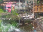 sampah-di-danau-naga-sakti-siak_20170706_154544.jpg