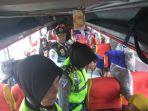 satlantas-polresta-pekanbaru-menggelar-kegiatan-sosialisasi-keselamatan-berlalu-lintas_20171226_143144.jpg