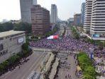 sejumlah-pengunjuk-rasa-melakukan-aksi-damai-di-depan-kantor-bawaslu.jpg