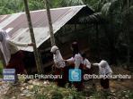 sekolah-sdn-135-pekanbaru-bangunan-tidak-layak-ok2_20160329_152912.jpg