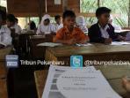 sekolah-sdn-135-pekanbaru-bangunan-tidak-layak_20160329_152229.jpg