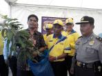 sekretaris-daerah-pelalawan-h-tengku-mukhlis-di-hari-krida-pertanian_20160520_085008.jpg
