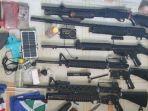senjata-api-yang-diamankan-dari-2-kkb-di-distrik-oksibil-kabupaten-pegunungan-bintang-papua.jpg