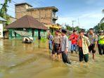 simpang-kumu-banjir-rohul_20161127_105536.jpg