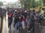 suasana-demo-menentang-omnibus-law-uu-cipta-kerja-terjadi-di-kota-manado-kamis.jpg