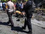 suasana-setelah-ledakan-bom-di-gereja-pantekosta-pusat-surabaya-gpps_20180513_185830.jpg