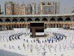 suasana-tawaf-di-kabah-masjidil-haram-mekah-rabu-2972020.jpg