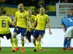 swedia-vs-italia-jakob-johansson-mencetak-gol-ke-gawang_20171111_062927.jpg