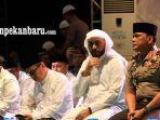 syekh-ali-jaber-ceramah-di-pekanbaru-riau-dalam-tabligh-akbar-dan-dzikir-bersama-polda-riau-2.jpg