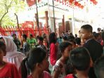 tahun-baru-imlek-anak-anak-berkumpul-di-halaman-vihara-cetiga-tri-ratna-buddhis-center_20180216_115454.jpg