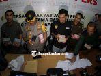 tim-gabungan-satgas-money-politic-pekanbaru-mengamankan-seorang-oknum-calon-legislatif.jpg