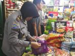 tim-satgas-pangan-polresta-pekanbaru-sidak-pasar-bawah_20170616_115027.jpg