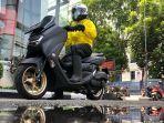 tips-berkendara-sepeda-motor-saat-musim-hujan.jpg