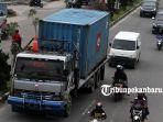 truk-tonase-besar-masuk-kota-jalan-protokol_20181031_181836.jpg