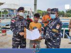 viral-bocah-laki-laki-sendirian-di-tengah-laut-diselamatkan-tni-al.jpg