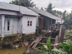 wakil_ketua_dprd_pekanbaru_kunjungi_rumah_warga_nyaris_ambruk_di_air_dingin_ini_kondisinya.jpg