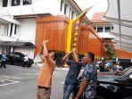 walau_mendung_pengunjung_mpp_pekanbaru_potret_fenomena_gerhana_matahari.jpg