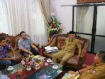 walikota-padang-mahyeldi-ansharullah-menerima-rombongan-tribun-pekanbaru_20180731_210500.jpg