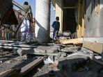 warga-afghanistan-rekam-video-roket-yang-meluncur-ke-negara-mereka-yang-dihujani-senjata-itu-hancur.jpg