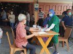 warga-antusias-ikuti-kegiatan-vaksinasi-di-bus-keliling-pemko-pekanbaru.jpg