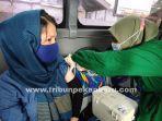 warga-imigran-di-pekanbaru-menerima-vaksinasi-covid-19.jpg