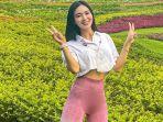 wika-salim-pakai-legging-olahraga-di-taman-bikin-salfok-netizen-ada-kue-apem-sebesar-sabun-lux.jpg