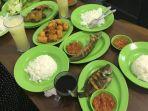 wisata-kuliner-di-pekanbaru-nikmati-pecel-lele-enak-di-pecel-lele-nusantara-dengan-sambal-segar.jpg