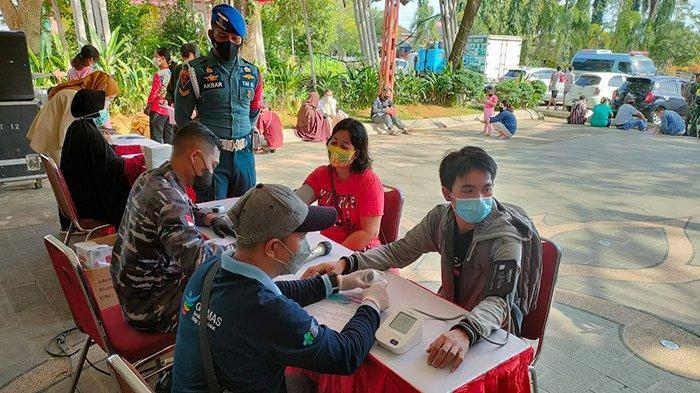 Terus Dukung Gebyar Vaksinasi di Kalbar, Lantamal XII Pontianak Lakukan Vaksinasi di Tiga Titik