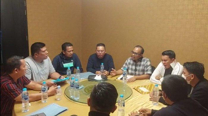 Verifikasi berkas ketua timses GMS, Febriadi dengan tim SC HIPMI Kalbar kemarin