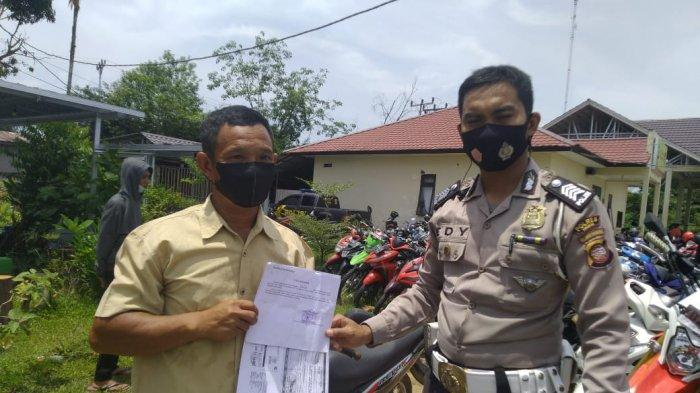 Hasil Putusan Sidang Tilang, Personel Satlantas Polres Sambas Kembalikan Barang Bukti Sepeda Motor