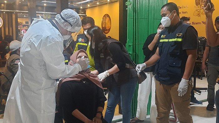 Razia Warkop di Kota Sintang, Satgas Temukan 4 Pengunjung Positif Corona Dua diantaranya Pelajar
