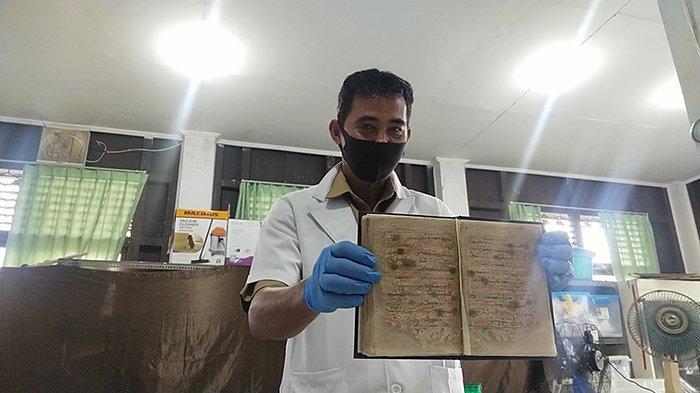 Menilik Konservasi Restorasi Filologika, Proses Perawatan Khusus Naskah Kuno