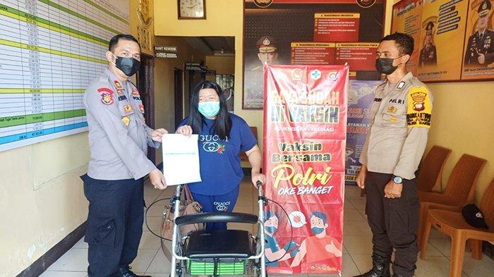 Polsek Siantan Lakukan Monitoring Vaksinasi Massal Covid-19 Tahap 1 untuk Warga Kecamatan Jongkat