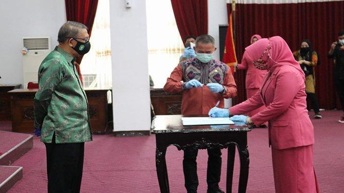 Lantik Ketum BKOW Kalbar, Gubernur Sutarmidji Harap Bisa Bersinergi Terkait Masalah Perempuan