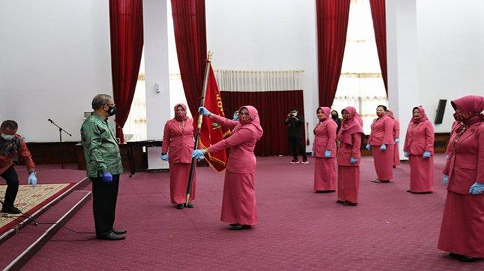 Dilantik Sebagai Ketua BKOW Kalbar, Erlinawati Nasir Siap Bersinergi untuk Membangun Kalbar