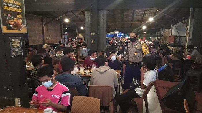 Pengetatan PPKM Mikro, Polsek Pontianak Timur Laksanakan Sosialisasi ke Masyarakat