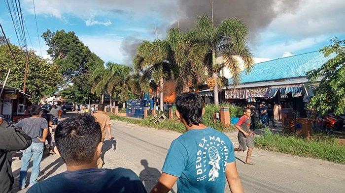 Pasar Flamboyan Sekadau Terbakar