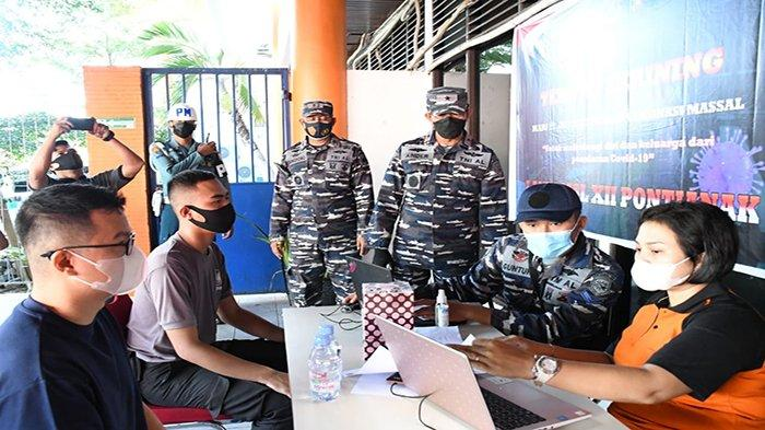 Vaksinasi Massal Sasar Masyarakat Maritim di Pelabuhan Dwikora Pontianak
