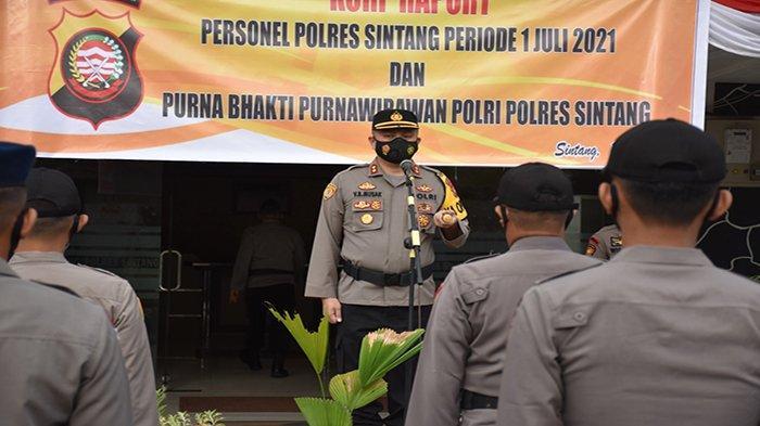 Tepat Hari Bhyangkara ke-75, 35 Personel Polres Sintang Naik Pangkat