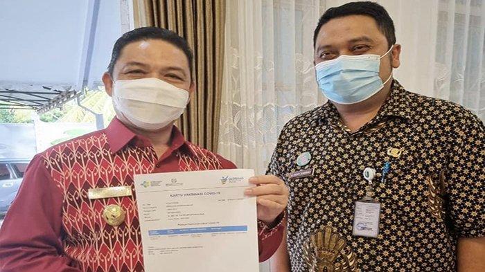 Wagub Kalbar Ria Norsan Terima Suntikan Vaksin Tahap Pertama