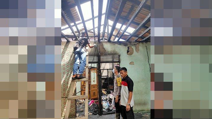 Ditinggal Kosong, Rumah Pemimpin Umat di Sekadau Terbakar
