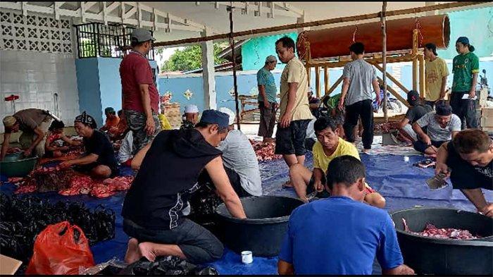 Masjid Darussalam Kedamin Putussibau Selatan Sembelih 6 Ekor Hewan Kurban
