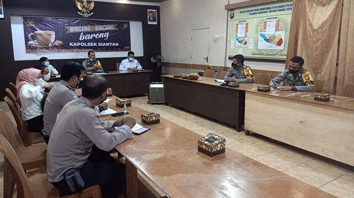 Polsek Siantan Gelar Rapat Koordinasi Tekan Penyebaran Covid-19 di Kecamatan Jongkat