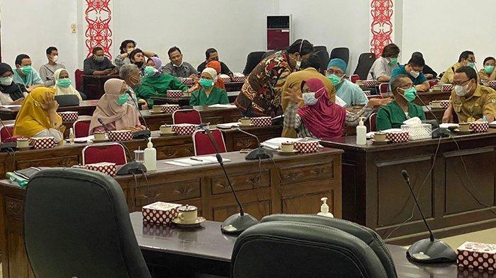 Audiensi di DPRD, Pj Sekda Sebut Alasan Kenapa Tukin Para Dokter Tidak Dibayarkan