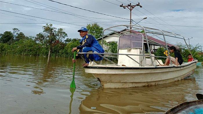 Curah Hujan Tinggi di Kapuas Hulu, Sejumlah Pemukiman dan Ruas Jalan Terendam Banjir